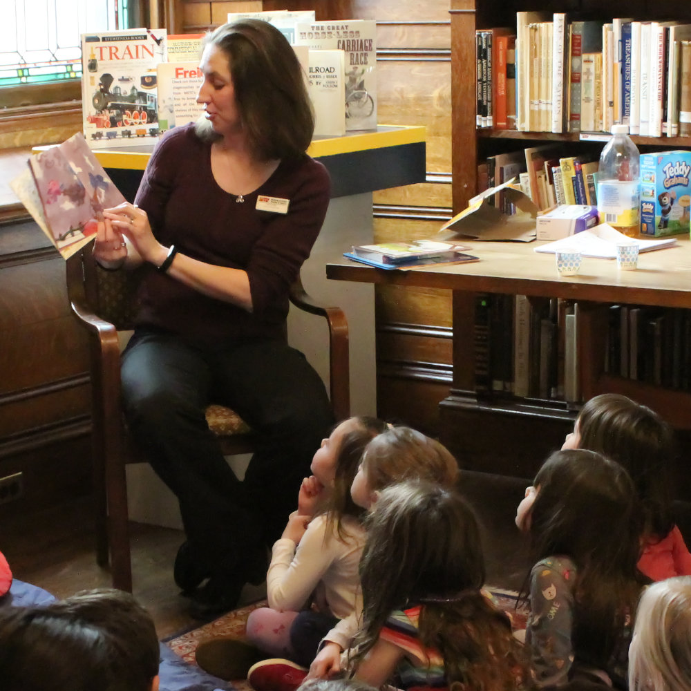 METC - Storytime teacher reading to children